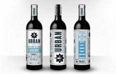 タイポグラフィーが美しいワインのパッケージ。かっこいいな。(via Urban WineWorks)