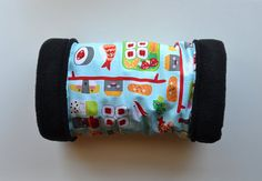 Guinea pig fleece funnel with sushi print