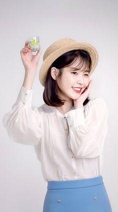 IU #Chamisul Iu Fashion, Korea Fashion, Korean Actresses, Korean Actors, Kpop Girl Groups, Kpop Girls, Korean Celebrities, Korean Beauty, Korean Singer