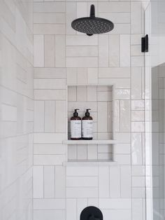 9 White Subway Tile Bathroom Ideas for Your Mood Board White Subway Tile Bathroom, Modern Bathroom Tile, Bathroom Interior, Small Bathroom, Master Bathrooms, Design Bathroom, Dream Bathrooms, Bathroom Wall, Bathroom Tile Patterns