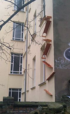 Cat ladder - if I ever move to an appartment high up. Love this! (seen in Berlin)
