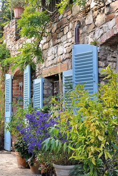 quenalbertini: Blue Shutters in Provence, France French Country House, Country Life, French Farmhouse, Country Living, Blue Shutters, Cottage Shutters, Louvered Shutters, Exterior Shutters, French Countryside