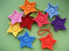 Ideas for crochet flowers free pattern attic 24 Crochet Star Patterns, Crochet Stars, Love Crochet, Crochet Motif, Diy Crochet, Crochet Flowers, Simple Crochet, Crochet Christmas Garland, Crochet Garland