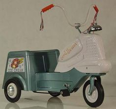 Murray Good Humor Ice Cream Rider........could totally see myself driving around the beach in one of these! Lol! Pedal Tractor, Pedal Cars, Power Bike, Kids Bicycle, Vintage Toys, Antique Toys, Kids Ride On, Unique Cars, Bike Design