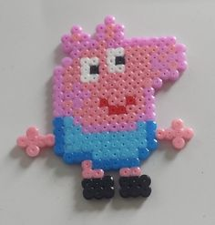 Peppa Pig magnet hama beads by Mes-petites-pommes Perler Bead Designs, Perler Bead Art, Melty Bead Patterns, Hama Beads Patterns, Beading Patterns, Pearler Beads, Fuse Beads, Hama Bead Boards, Bead Crafts