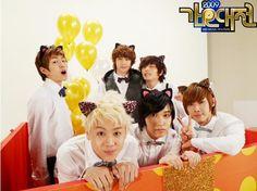 "SBS ""2009 Gayo Daejun"" Music Festival Photo Shoot - Front Row: Yoseob (요섭) of B2ST, Sungmin (성민) of Super Junior, Lee Joon (이준) of MBLAQ - Back Row: Onew (온유) of SHINee, Nichkhun (닉쿤) of 2PM, Jin Woon (진운) of 2AM"