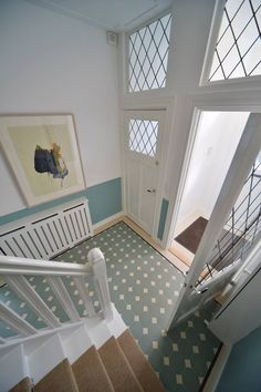 Sunny entryway with Winckelmans tiles