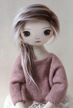 Daisy (romia doll)