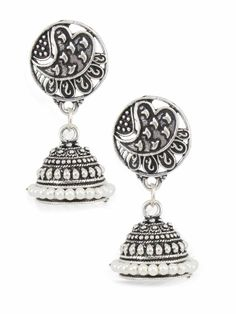 Silver colour and attractive pearl earring. Wedding Earrings, Wedding Wear, Look Fashion, Silver Color, Pearl Earrings, Perfume, Pendant Necklace, Colour, Traditional