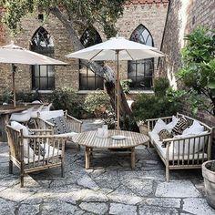 47 ideas for perfect bamboo garden furniture # ideas Outdoor Rooms, Outdoor Gardens, Outdoor Living, Outdoor Decor, Outdoor Lounge, Diy Pergola, Pergola Kits, Bamboo Furniture, Outdoor Furniture Sets