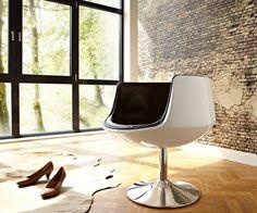 DREHSTUHL STUDIO www.delife.eu/lifestyle-produkte/sofas-sessel/drehsessel-drehstuehle/drehstuhl-studio-weiss-hochglanz-braun-drehsessel/a-6138/?campaign=smm%2FPinterest Trends, Egg Chair, Sofas, Campaign, New Homes, Lifestyle, Studio, Furniture, Home Decor