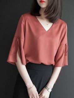 99 Cute Fashion Trends Ideas In Blouses 99 Cute Fashion Trends Ideas Em Blusas Cute Fashion, Girl Fashion, Fashion Dresses, Blouse Styles, Blouse Designs, Sleeves Designs For Dresses, Blouse Dress, Blouses For Women, Designer Dresses