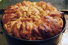 Round Apple Challah For a Sweet New Year