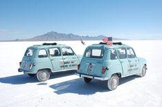 Renault 4 in salt desert