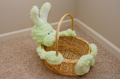 No-sew Easter basket made with jumbo loopy chenille.