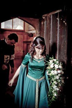 Medieval wedding bouquet idea