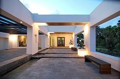 Modern Front Entrance Design Ideas, Pictures, Remodel and Decor