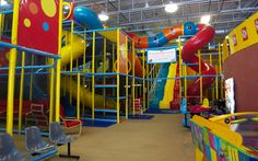 Tubes & Jujubes – Centre d'amusement familial/Family Fun Centre