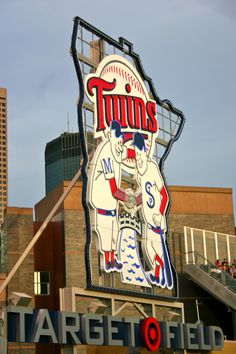 TARGET FIELD <3 One of my all time favorite spots in the entire state of MN! I will forever be a DIEHEART TWINS FAN...no matter how bad a season! GO TWINS <3