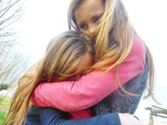 Friendship is the importants thing to survive Made by Lisanne Kuiper