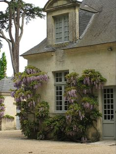Azay-le-Rideau Cottage Style, Girly Things, Pretty In Pink, Pergola, Outdoor Structures, Home, Curtains, Chalet Style, Girl Things