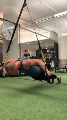 Workouts tо Get Ripped Abs Fitness Workouts, Trx Full Body Workout, Gym Workout Tips, Sport Fitness, Insanity Workout Videos, Workout Videos For Men, Suspension Workout, Suspension Training, Chest Workout For Men