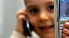 Küçük çocuklara ''cep telefonu uyarısı''