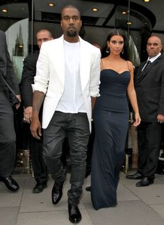 Spotted: Kanye West & Kim Kardashain Still Hand In Hand Out London