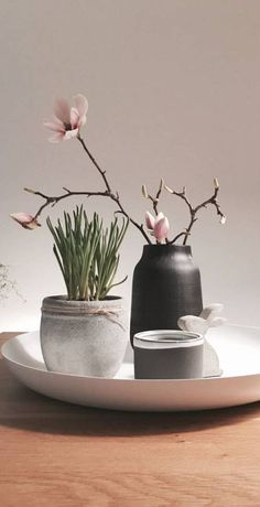 ……von unserer Ostertischdeko verabschiede ich mich in die Feiertage und wün… …… from our Easter table decoration I say goodbye to the holidays and wish you a nice, sunny party: sun_with_face :. Have fun with the egg hunt.