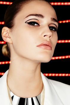 4 Star Wars Beauty Looks Your Inner Fangirl Will Love #refinery29 http://www.refinery29.com/star-wars-inspired-makeup-ideas#slide-1 The Inspiration: StormtrooperThe Look: Cat-Eye 2.0Toughen up an everyday go-to with this graphic look inspired by the character's black-and-white helmet. Taking cues from McGrath's angular, colorblocked creation, we created a bold yet wearable negat...