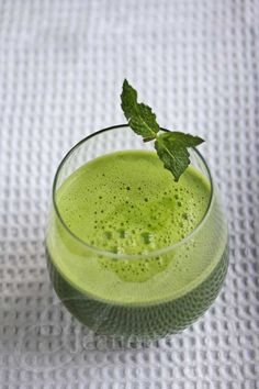 Simply Green Juice~ perfect for a candida clease~ 1c spinach, 1c parsley, 4 kale leaves, 1 cucumber, 3 celery stalks, 2 cloves of garlic (optional- add asparagus stems and/or a lemon). I recommend doing shots several times a day.  Serves 1~  170 calories #weightlosstipsforwomen
