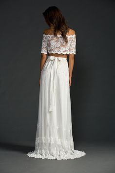 The perfect wedding dress choice for our gypset bride. Our Jasmine two-piece wedding dress made from the finest French lace. Worldwide delivery.