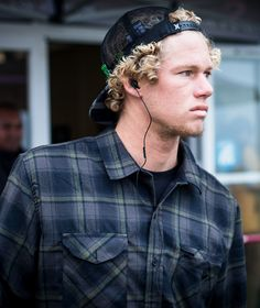 John John Florence preparing for his heat. #MocheRipCurlPro