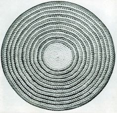Circle Rug, originally published in Rugs, Sweaters, Pot Holders, Lamp Shades, Book No. 107.