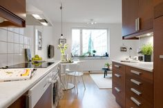 Cocina living on pinterest bright bathrooms philippe - Soluciones para cocinas pequenas ...