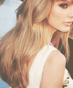 Taylor Swift. Just beautiful. Love her hair and make-up.