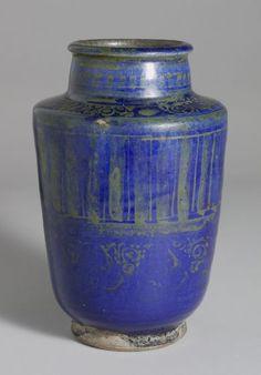 Albarello, Iran, Seljuk-Atabeg period, c. 1200, Harvard Art Museums/Arthur M. Sackler Museum.