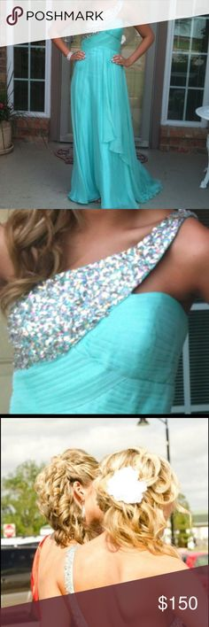 Tony Bowls one shoulder gown Only worn once for prom. An aqua/deadpan color. Color of dress in pics is accurate. Beautiful beading. Chiffon material. Tony Bowls Dresses Prom