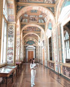 Hermitage Museum is the largest museum in the world and was founded in 1764 Hermitage Museum, Barcelona Cathedral, Taj Mahal, Russia, Saints, City, World, Travel, Viajes