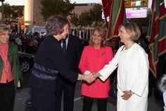"""Su Majestad la Reina Doña Sofía recogió el galardón de la gala """"Mano Amiga"""" de Alzheimer León, en la categoría """"Anónimo con Nombre"""" por su esfuerzo y dedicación personal durante décadas a la lucha contra el Alzheimer."""