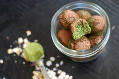 Matcha Bliss Balls - matcha is full of antioxidants, natural caffeine, and the calming agent L-Theanine which is great to clear your mind and help you focus without the jitters of coffee. These bliss balls are a great snack alternative with delicious green tea flavor! http://www.nibsandgreens.com/matcha-bliss-balls/
