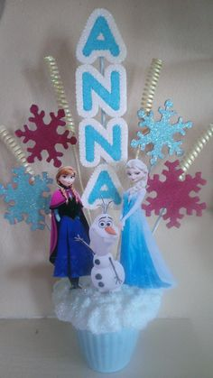 Frozen table centerpiece - name Frozen 3rd Birthday, Elsa Birthday Party, 5th Birthday Party Ideas, Princess Birthday, Disney Frozen Party, Frozen Theme Party, Frozen Birthday Centerpieces, Frozen Party Decorations, Anna Frozen