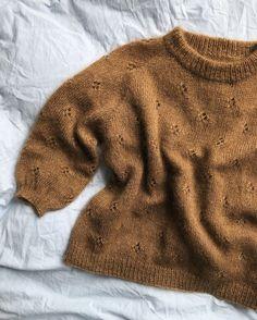 Diy Crafts - Ravelry: Fortune Sweater pattern by PetiteKnit Sweater Knitting Patterns, Knit Patterns, Baby Knitting, Knitting Sweaters, Hand Knitted Sweaters, Loom Knitting, Free Knitting, Stitch Patterns, Sewing Patterns