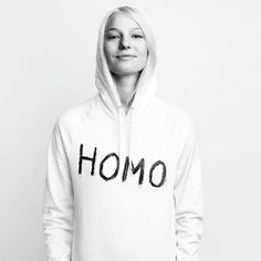 """SHE WON FINLANDS NEXT TOPMODEL AND CHOOSED THE """"HOMO"""" - PRINT AS IMPORTANT WORD FOR HER WHICH DESCRIBES HER. AFTER THAT SHE SAID THAT SHE IS PROUD TO BE A LESBIAN."""