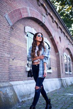 9 Le Fashion Blog Inspiracja Długie Włosy Brunetka Brązowe Negin Mirsalehi Falista Plaid Shirt Striped Crop Top Zgrywanie Jeans zdjęcia 9-Le-Fashion-Blog-Long-Hair-Inspiration-Negin-Mirsalehi-Brunette-Brown-Wavy-Plaid-Shirt-Striped-Crop-Top-Ripped-Jeans.jpg