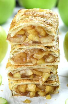 Easy Chocolate Desserts, Apple Desserts, Delicious Desserts, Dessert Recipes, Yummy Recipes, Vegan Recipes, Mcdonalds Apple Pie, Mcdonalds Recipes, Apple Pie Recipes