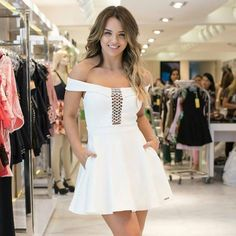 Meeeeninas, olhem esse dress que gracinha para vocês ficarem ainda mais belas. 😍😘 Garanta já o seu!! Já disponível para compra em nossa loja física e virtual, acesse:203-2196 no valor de R$299,90. 💕🌸 Entrega garantida para todo o Brasil! 📬🛩✅ Parcelamos em até 6x sem juros! 💳💰📦 Whatsapp: (11)97627-1179. 💌