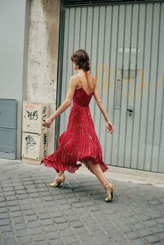John Galliano Resort 2018 Collection Photos - Vogue Love Fashion 5217d4e7b9