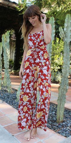 Sleeveless Red Floral Jumpsuit Sleeveless Wide Leg S M L Cotton Candy La 2017 Fall Fashion Trends, Autumn Fashion, Floral Jumpsuit, Fall Wardrobe, Wide Leg Pants, Stylish, How To Wear, Red Gold, Spaghetti Straps