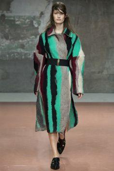 Sfilata Marni Milano - Collezioni Autunno Inverno 2014-15 - Vogue